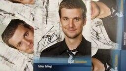Autogrammkarte von Tobias Schlegl. © NDR Foto: Daniel Sprenger