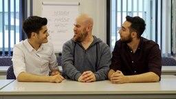Allaa und Abdul sind Lehrer in der Schule für Hasskommentare