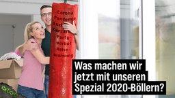 Was machen wir jetzt mit unseren Spezial 2020-Böllern? (Riesen-Böller mit der Aufschrift: Corona, Pandemie, Lockdown, Kurzarbeit, Party-Verbot, Reisewarnung)