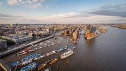 Ein Panoramablick auf die Hafencity von oben. © Rainer Röwer Foto: Rainer Röwer