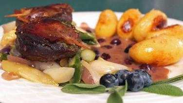 Rezept Saltimbocca Vom Reh Mit Spargel Und Kartoffeln Ndr De