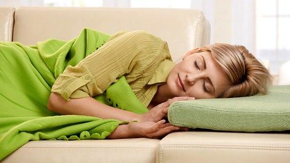 ist schlaf vor mitternacht ges nder ratgeber. Black Bedroom Furniture Sets. Home Design Ideas