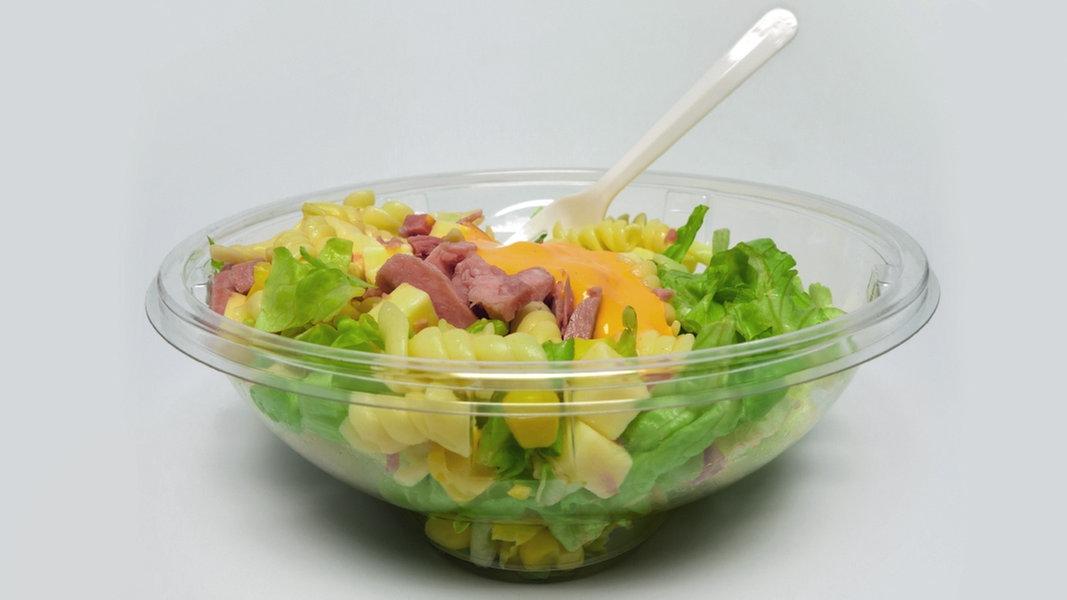 Fertigsalat oft mit Keimen belastet