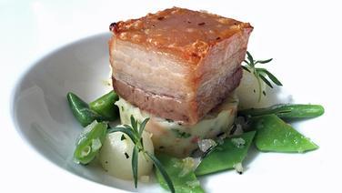 Rezept Schweinebauch Mit Birnen Bohnen Und Speck Ndrde
