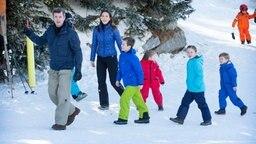 Kronprinz Frederik von Dänemark und seine Frau Mary treiben mit ihren Kindern im schweizerischen Skiort Verbier Wintersport. © Picture-Alliance / dpa Fotograf: Patrick Van Katwijk