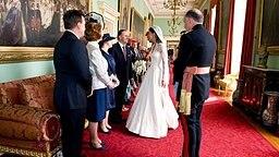 Kate Middleton trifft 29. April 2011 den Premierminister Neuseelands, John Key, im Buckingham Palace. © picture alliance / empics
