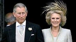 Prinz Charles und Camilla nach ihrer Trauung am 9. April 2005 © Picture-Alliance / dpa