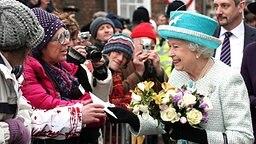 Zum 60. Thronjubiläum besucht die Queen die Ortschaft King's Lynn in der Grafschaft Norfolk. © dpa Bildfunk Fotograf: Chris Radburn
