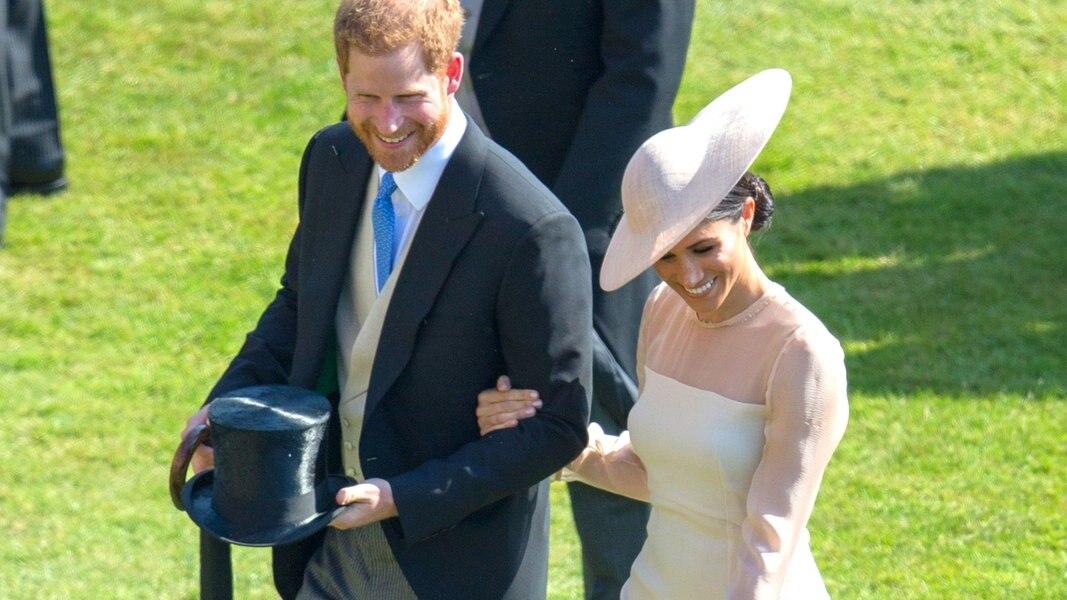 Harry und Meghan besuchen königliche Gartenparty | NDR.de ...