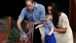 Prinz William, Herzogin Kate und Baby George im Taronga Zoo in Sydney © dpa Fotograf: David GrayPool