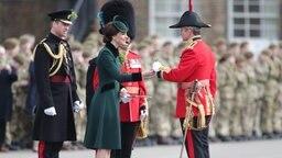 Herzogin Kate und Prinz William besuchen die Irish Guards am St. Patrick's Day im londoner Bezirk Hounslow. © Picture Alliance / PA Wire Fotograf: Yui Mok