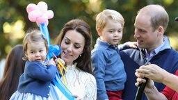 Prinz William und Herzogin Kate mit Nachwuchs Prinzessin Charlotte und Prinz George auf einer Kinderparty während ihres Besuchs in Kanada im September 2016. © picture alliance / empics Fotograf: Chris Jackson