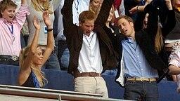 Prinz Harry und Prinz William beim Diana-Gedächtniskonzert 2007 © Picture-Alliance