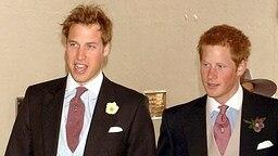 9. April 2005: Prinz William und Prinz Henry auf der Hochzeit von ihrem Vater Charles © Picture-Alliance / dpa
