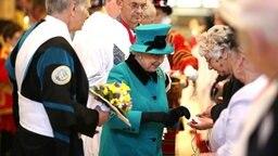 Queen Elizabeth beim Maundy Service 2016 auf Schloss Windsor. © Picture-Alliance / Empics Fotograf: Lynne Cameron