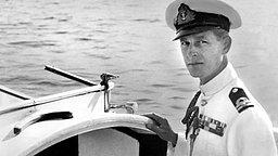 Oktober 1949: Prinz Philip auf einem Motorboot © United Archives/TopFoto
