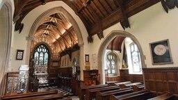 Innenansicht der Kirche Saint Mary Magdalena, dem Ort der Taufe von Prinzessin Charlotte. © picture alliance / empics Fotograf: Joe Giddens