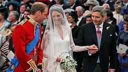 Prinz William, Kate Middleton und ihr Vater Michael in der Westminster Abbey während der Trauung am 29. April 2011. © picture alliance / Photoshot