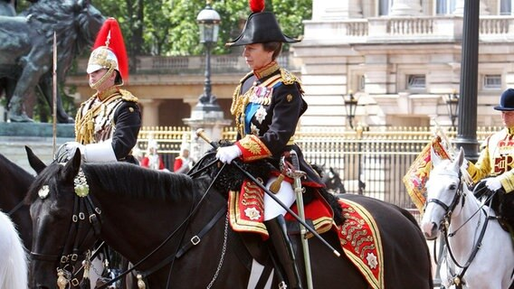 Trooping the Colour 2008: In Uniform nahm Prinzessin Anne an der Parade der Horse Guards teil. © Picture-Alliance / dpa