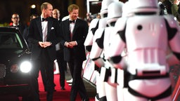 "Prinz William und Harry bei der Premiere des Star-Wars-Films ""Die letzten Jedi"" in der Londoner Royal Albert Hall. © Picture-Alliance / Photoshot"