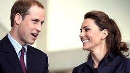 Prinz William und Middleton bei ihrem Besuch in Darwen © dpa Bildfunk