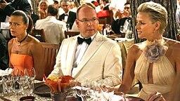 Fürst Albert mit seiner Freundin Charlene Wittstock bei der Rot-Kreuz-Gala in Monaco am 01.08.2008. © dpa