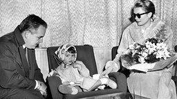 Prinzessin Caroline mit ihren Eltern Fürst Rainier und Gracia Patricia © dpa - picture alliance
