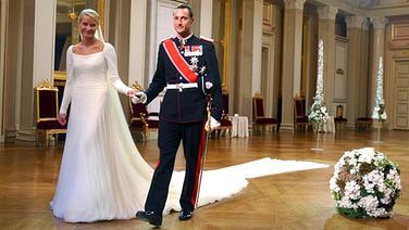 25. August 2001: Kronprinz Haakon von Norwegen heiratet Mette-Marit © Picture-Alliance / dpa Fotograf: Tore Berntsen