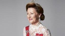 Königin Sonja auf einem offiziellen Porträt des norwegischen Königshauses © The Royal Court Fotograf: Sølve Sundsbø