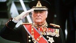Der norwegische König Olav V. bei einem Staatsbesuch in Finnland 1980 © Picture-Alliance / dpa
