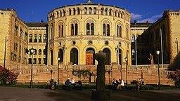 Storting, das norwegische Parlament in Oslo © Picture-Alliance / HB Verlag