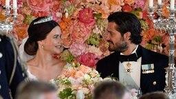 Prinz Carl Philip und seine Frau Sofia beim Hochzeitsbankett © dpa-Bildfunk Fotograf: Anders Wiklund