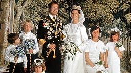 Traumhochzeit in Stockholm am 19. Juni 1976: Silvia gibt König Carl XVI. Gustaf von Schweden das Jawort © Picture-Alliance / dpa