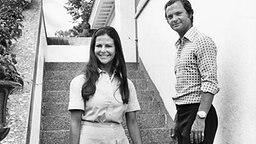 Königin Silvia und König Carl XVI. Gustaf von Schweden im Sommerurlaub 1976 auf Schloss Solliden © Picture-Alliance / dpa