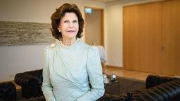 Die schwedische Königin Silvia spricht am 26.09.2017 in Berlin während eines Interviews © (c) dpa Foto: Gregor Fischer