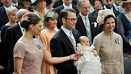 Prinzessin Victoria, Prinz Daniel, Estelle, Königin Silvia in der Schlosskirche © dpa Bildfunk