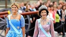 Königin Silvia und ihre Tochter Madeleine © dpa Bildfunk Foto: Maja Suslin