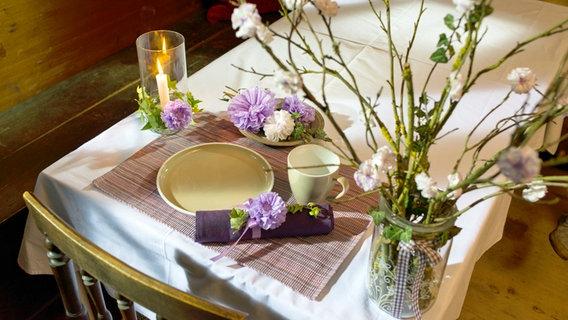 Kreative Tischdekoration Papierblumen Aus Servietten Ndr