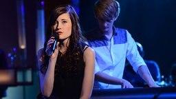 Sängerin Madeline Juno zu Gast in der NDR Talk Show am 11.10.2013 © NDR/Uwe Ernst Foto: Uwe Ernst