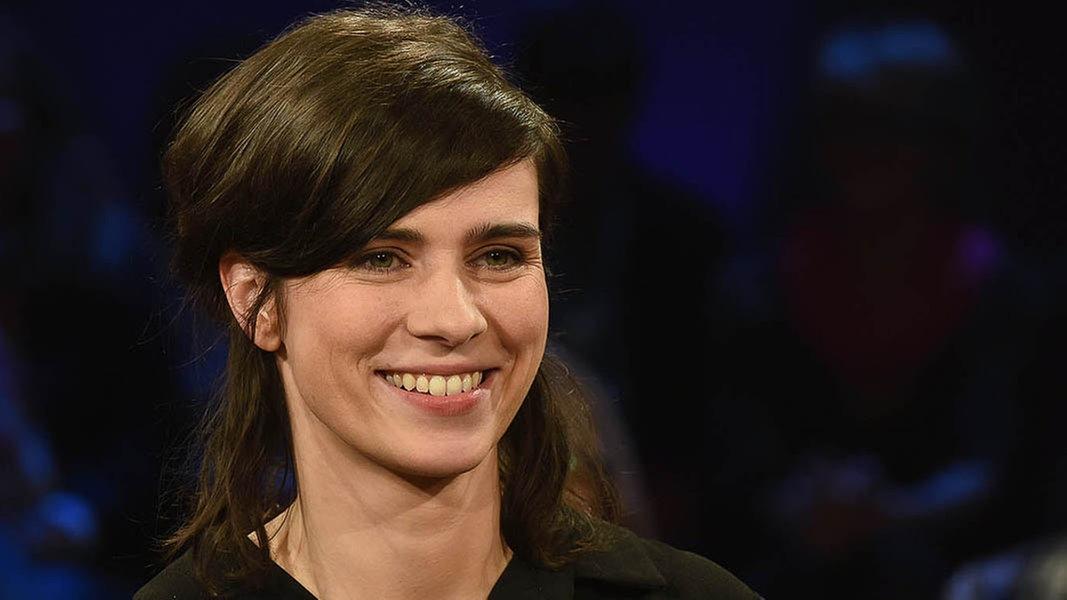 Schauspielerin nora tschirner fernsehen sendungen a z ndr talk show for Ndr mediathek filme