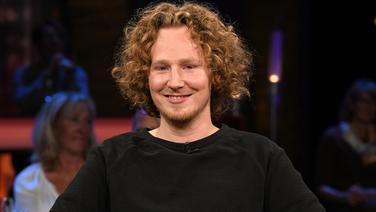 Sänger Michael Schulte zu Gast in der NDR Talk Show am 18. Mai 2018 © NDR/Uwe Ernst Fotograf: Uwe Ernst