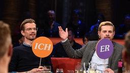 Joko Winterscheidt und Klaas Heufer-Umlauf in der NDR Talk Show am 21.04.2017 © NDR/Uwe Ernst Foto: Uwe Ernst