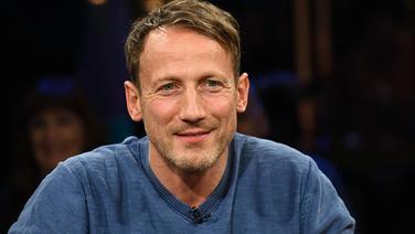 Schauspieler Wotan Wilke Möhring am 21. April 2017 zu Gast in der NDR Talk Show. © NDR/Uwe Ernst