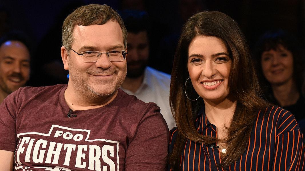 Die moderatoren linda zervakis und elton fernsehen sendungen a z ndr talk show for Moderatoren ndr talkshow