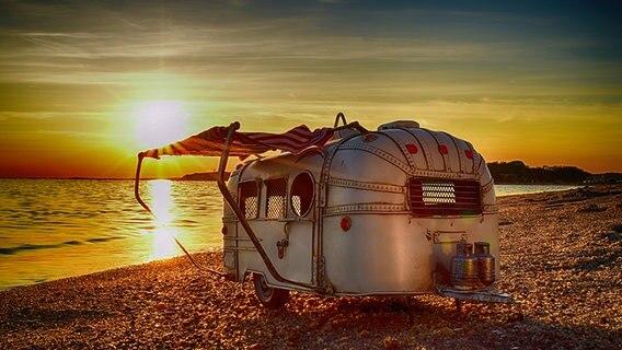 Wohnwagen am Strand © NDR Fotograf: Thomas Steinberg aus Hamburg
