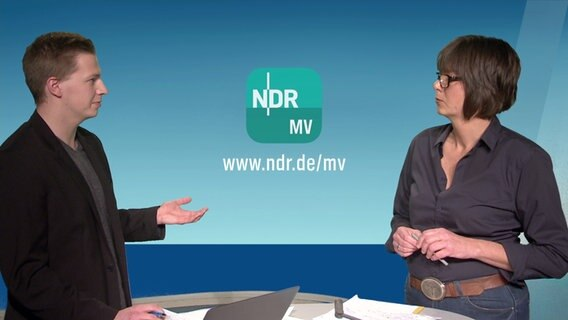 Robert Witt und Michaela May im Nordmagazin-Studio