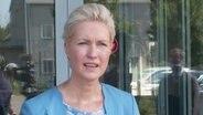 Ministerpräsidentin Mecklenburg-Vorpommerns, Manuela Schwesig (SPD), bei einem Interview © NDR