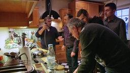 Männer beim Kochen © Infratest Dimap