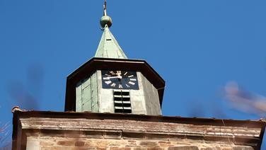 Kirchturm evangelische Martins-Kirche Hohnhorst. © NDR