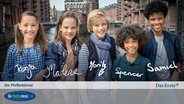 E-Card der Pfefferkörner, 10. Generation: Nele (Ronja Levis), Kira (Marlene von Appen), Levin (Moritz Pauli), Olufemi, genannt Femi (Spencer König), Tayo (Samuel Adams) © NDR/Studio HH Foto: Boris Laewen